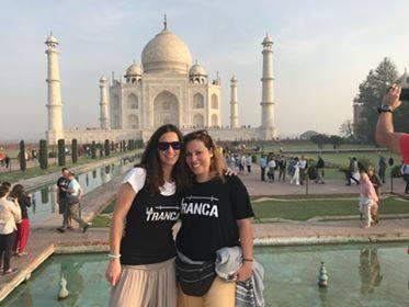 Ana y Elvira en el Taj Mahal, febrero 2018